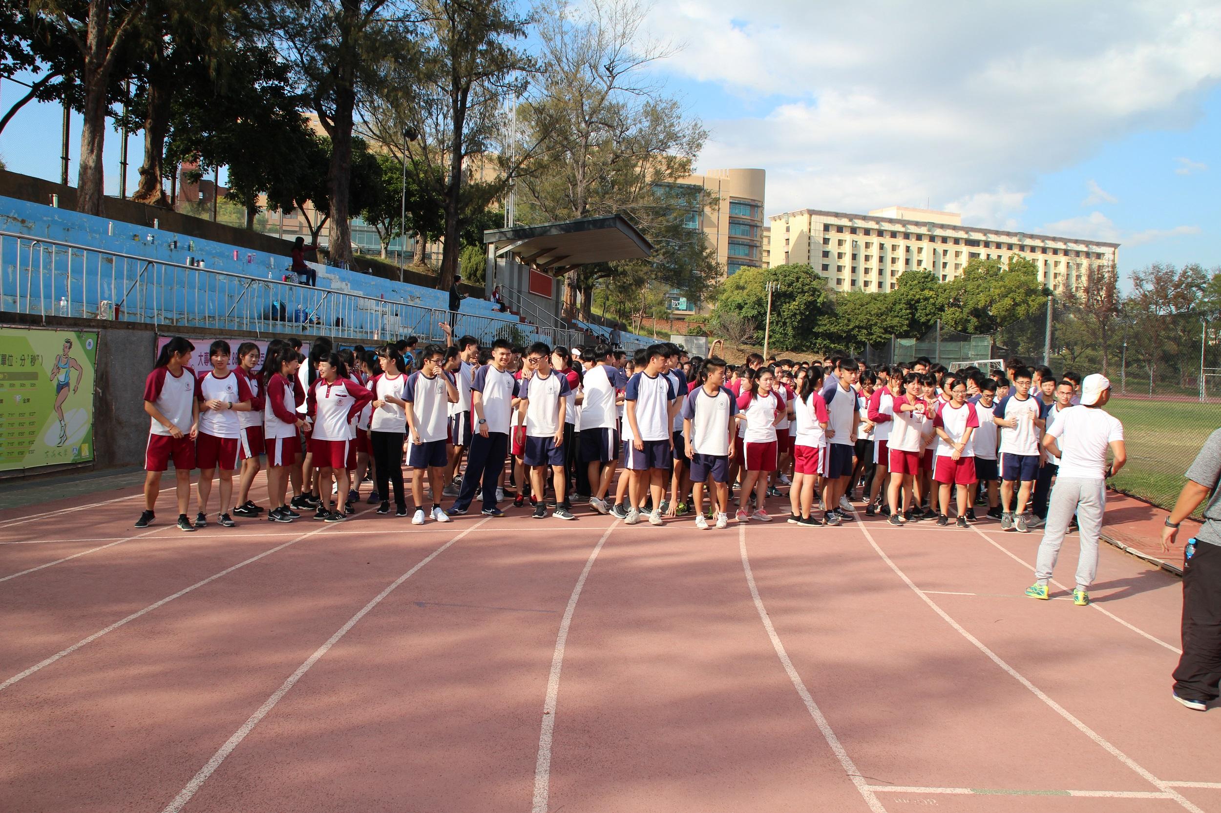107學年度高三成年6公里路跑賽