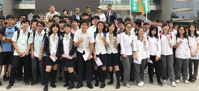 本校學生參加台中市「市政府 府前廣場」舉辦「2018生活物理演示  服務市民」活動
