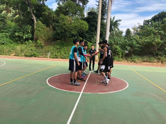 因應颱風來襲,8/24(六)班際籃球比賽取消。