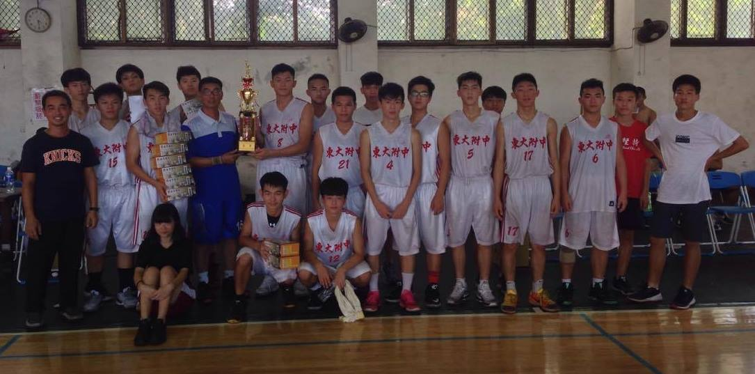 賀》高中部籃球隊榮獲106年龍井盃籃球賽-冠軍