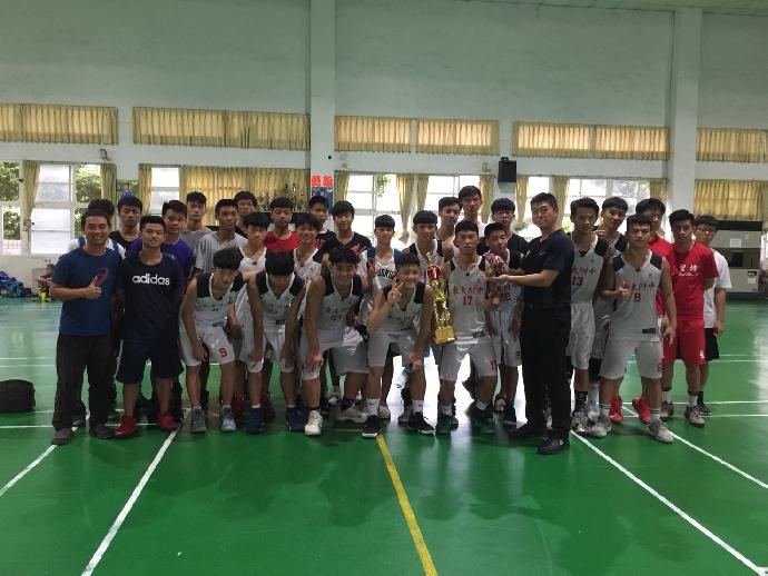 賀》高中部籃球隊榮獲107年龍井盃籃球賽-季軍